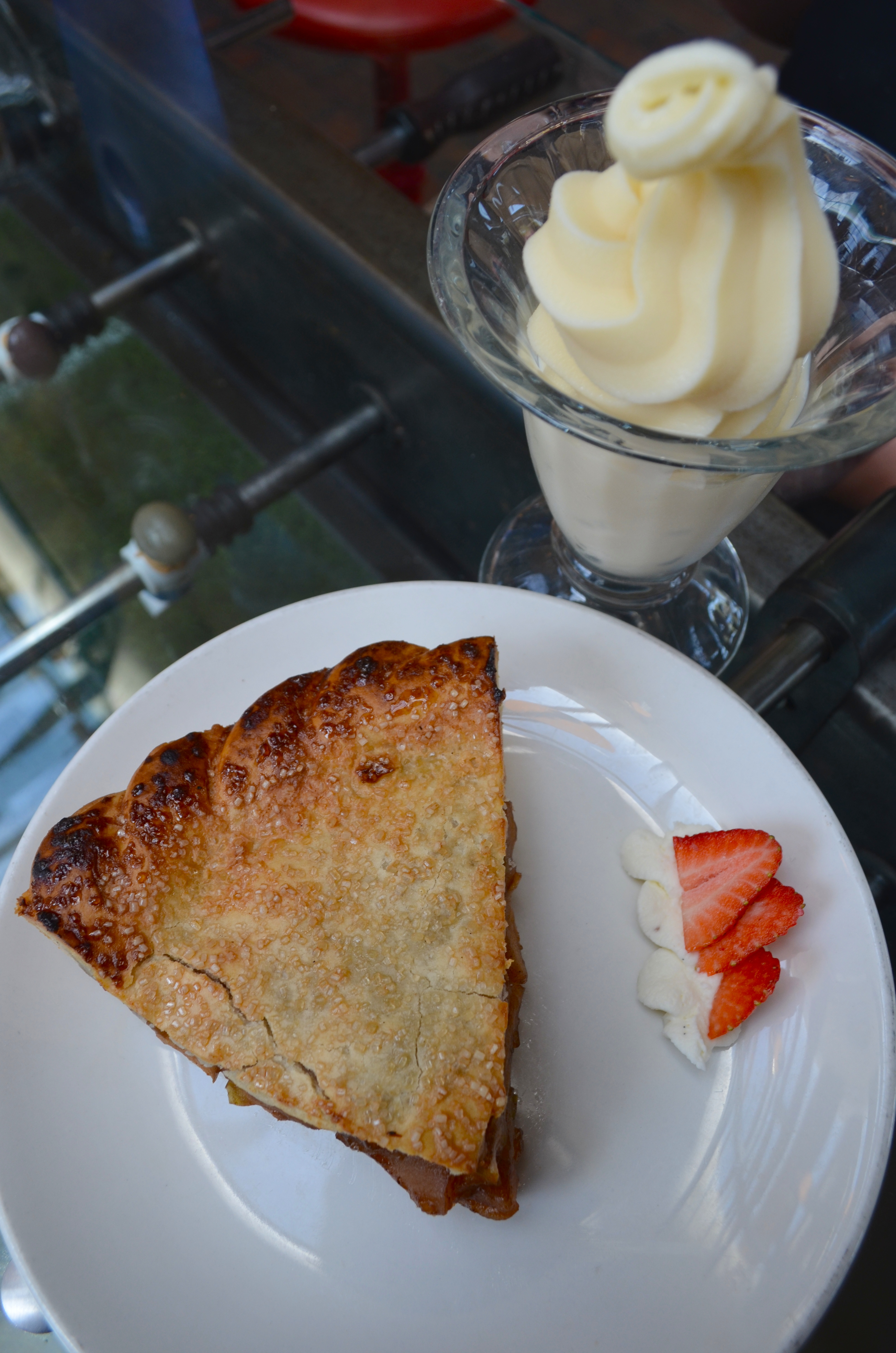 Classic Apple Pie a la Mode