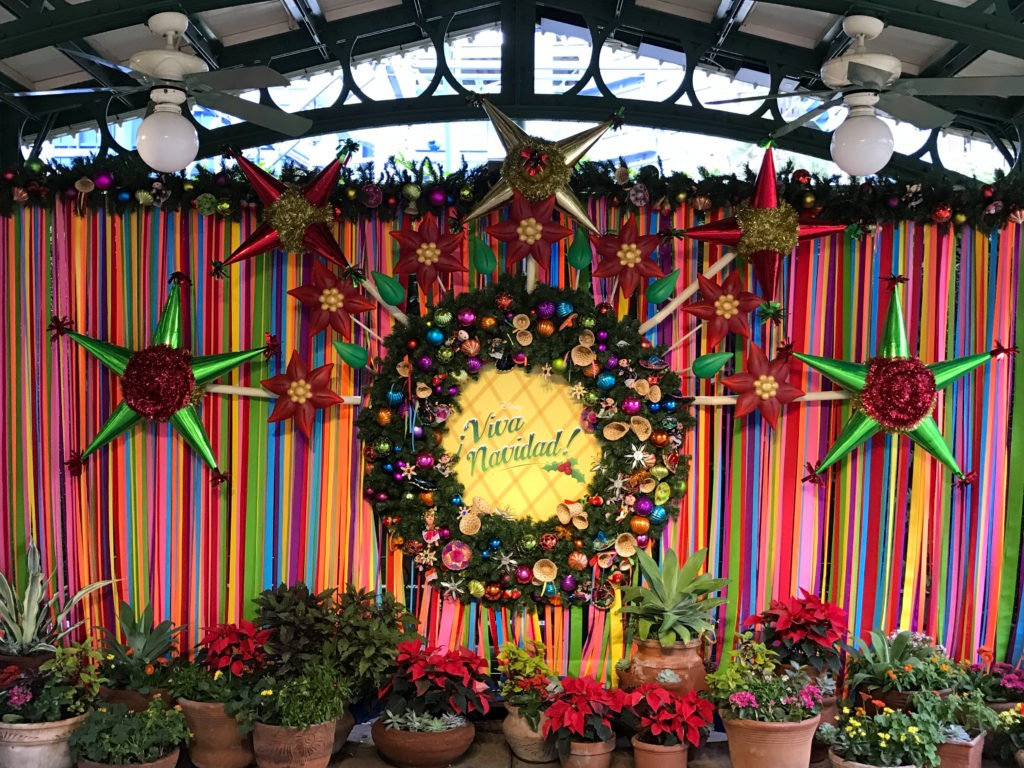 Colorful & Bright ¡Viva Navidad! Photo Spot